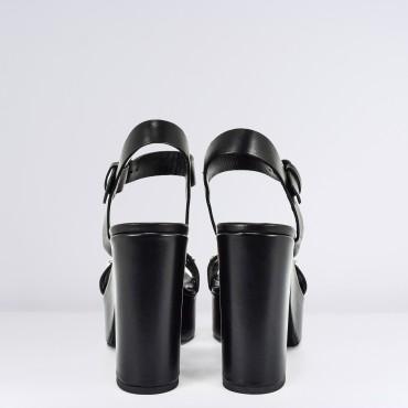 Sandalo Alto con Borchie Col. Nero