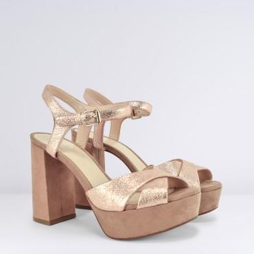 Sandalo in pelle lamianta