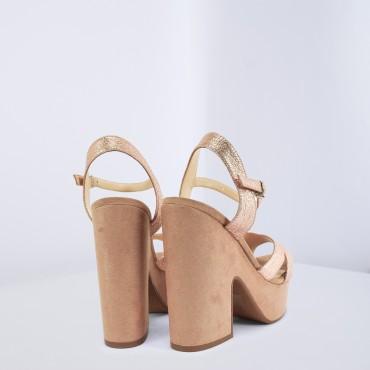 Sandalo in pelle laminata